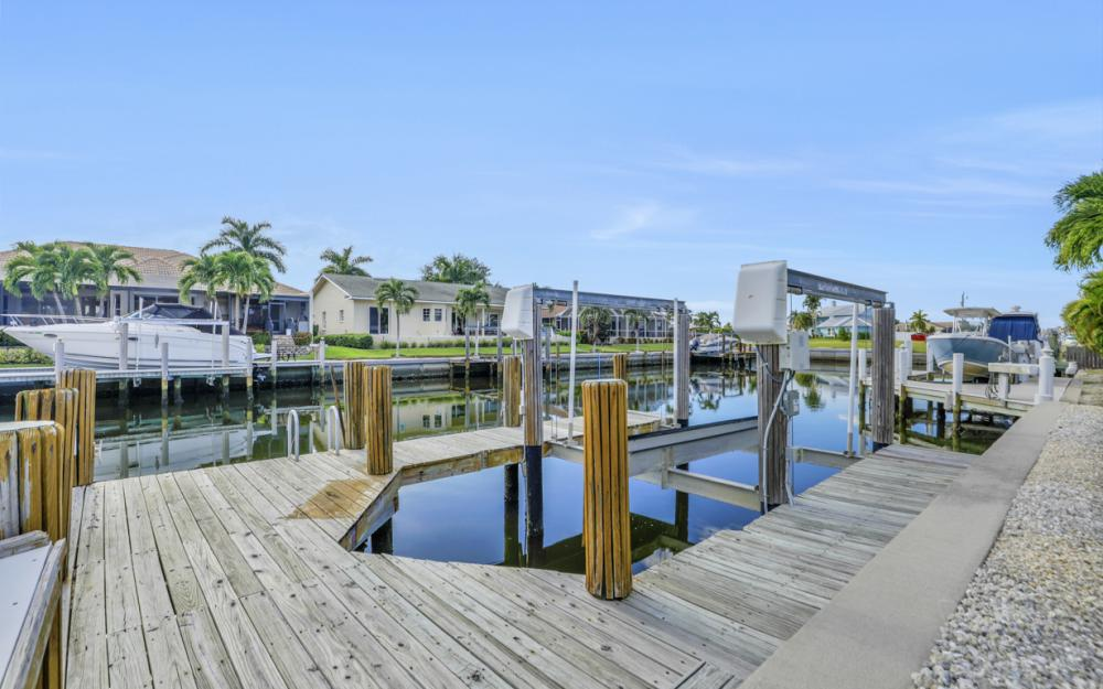 348 Waterleaf Ct, Marco Island - Home For Sale 312490953