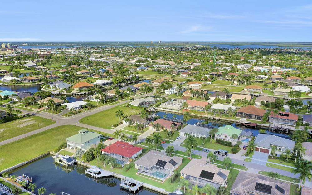 348 Waterleaf Ct, Marco Island - Home For Sale 209565848