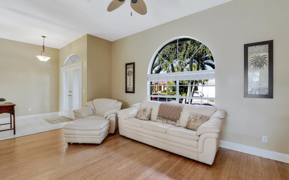 348 Waterleaf Ct, Marco Island - Home For Sale 1094637055