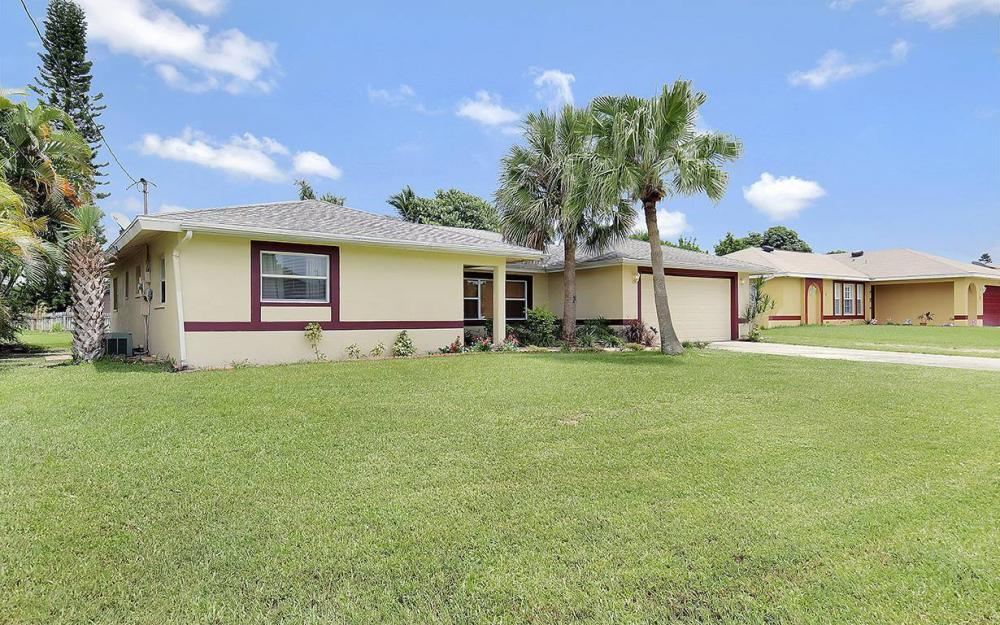 1027 SE 18th Ave, Cape Coral - House For Sale 786577882