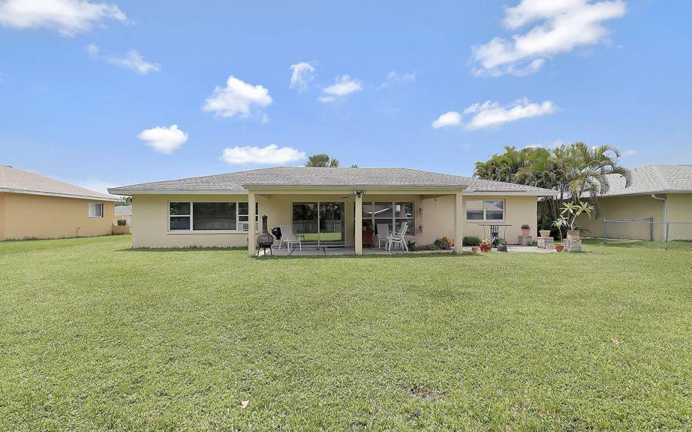 1027 SE 18th Ave, Cape Coral - House For Sale 2131601079