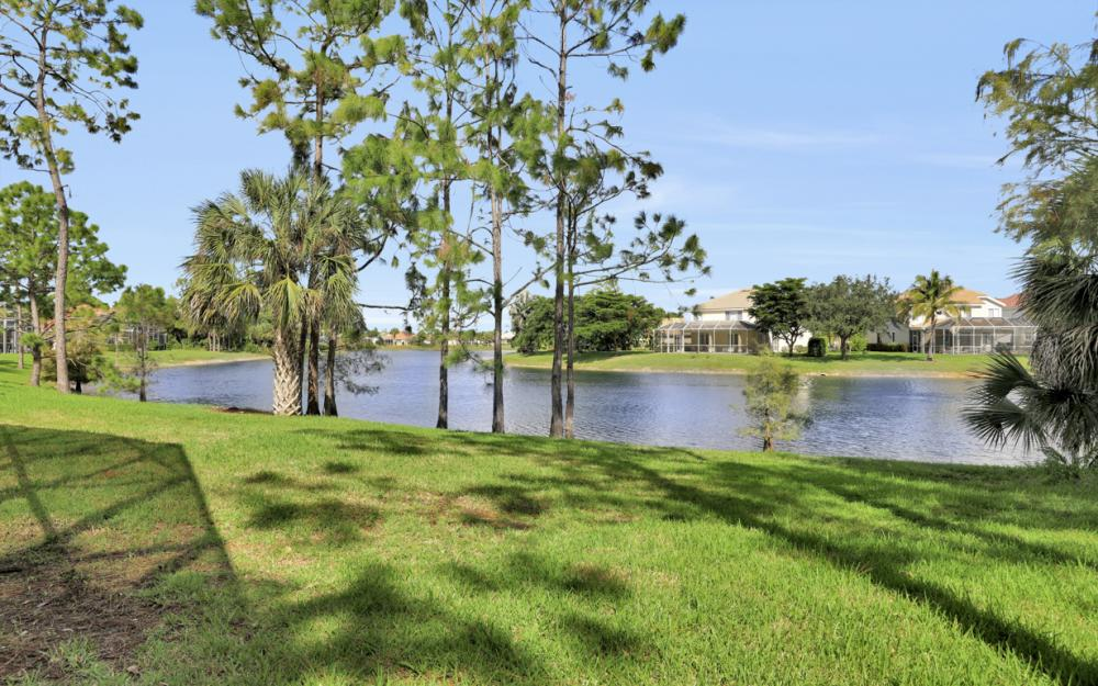 7895 Berkshire Pines Dr, Naples - Home For Sale 917328068