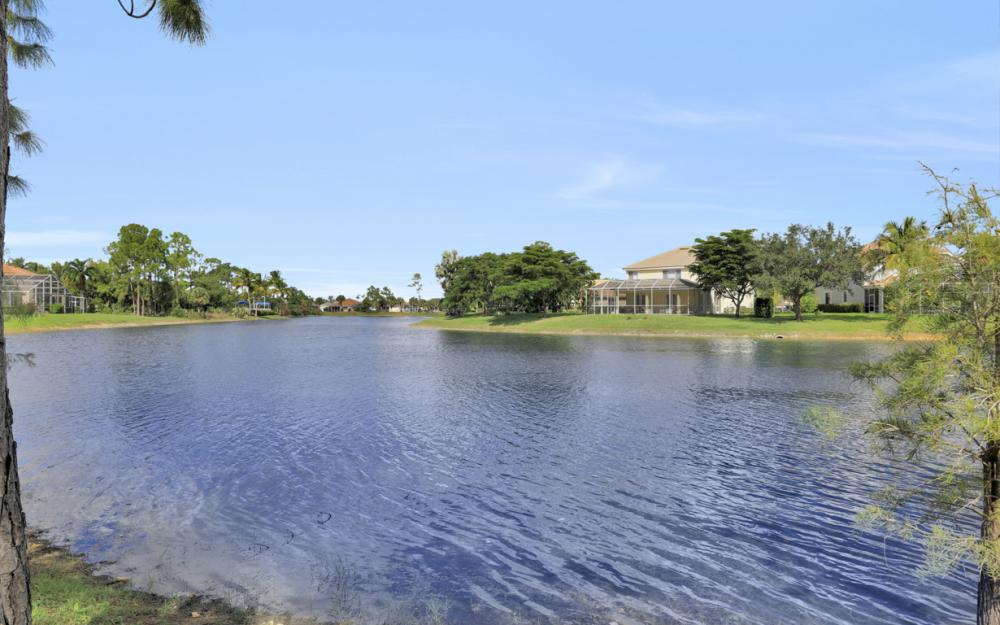 7895 Berkshire Pines Dr, Naples - Home For Sale 1896573380