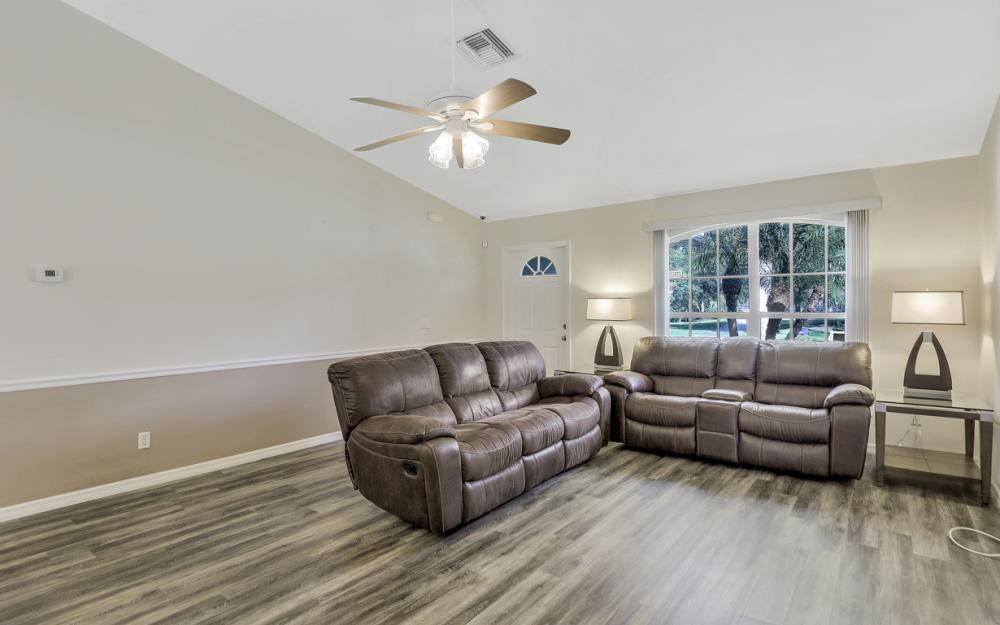 24200 Mountain View Dr, Bonita Springs - Home For Sale 1995237351