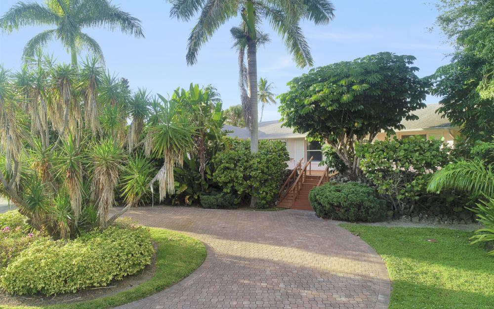 525 16th Ave S, Naples - Home For Sale 543791009