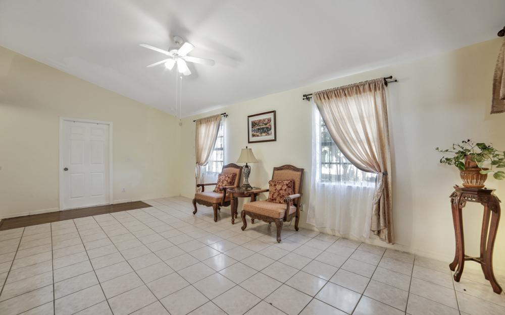 3003 SW 9th Ave Cape Coral - Home For Sale 420214563