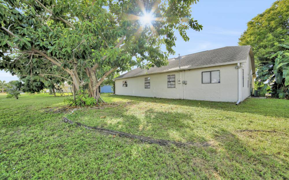 3003 SW 9th Ave Cape Coral - Home For Sale 982968154