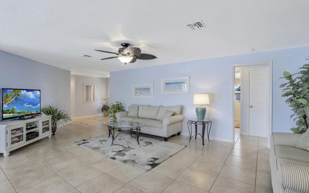 4771 West Blvd, Naples - Home For Sale 926058471