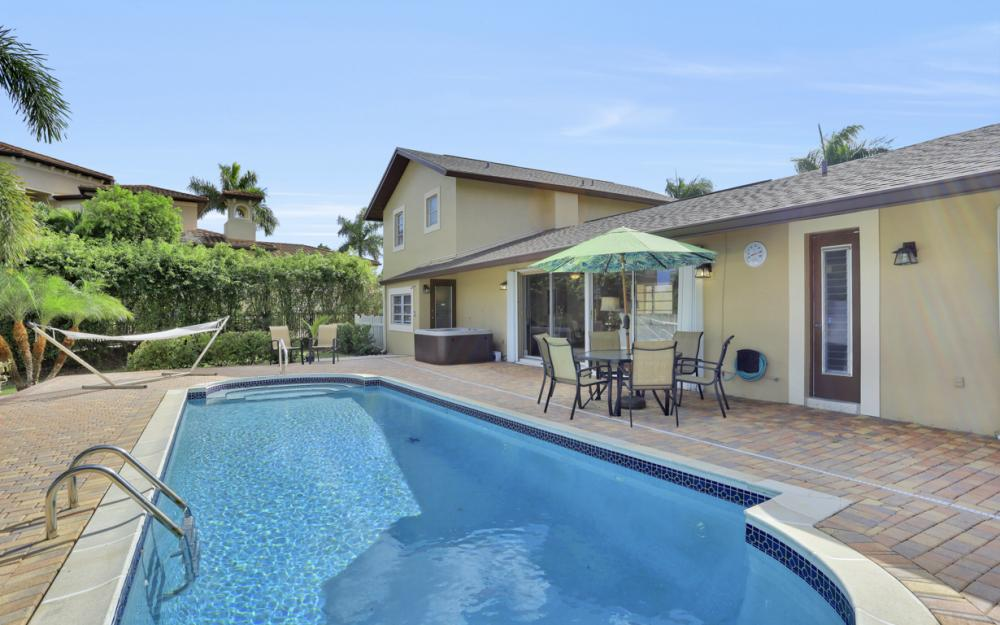 807 Fairlawn Ct, Marco Island - Vacation Rental 828043087
