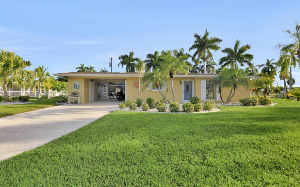 11491 Heidi Lee Ln, Fort Myers - Home For Sale 2013923140