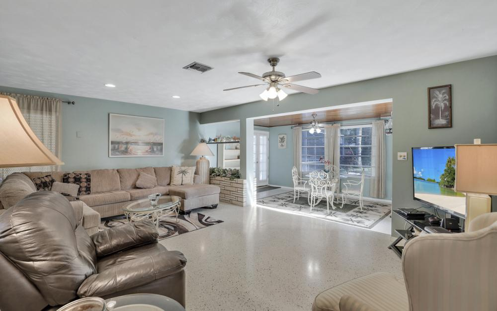 11491 Heidi Lee Ln, Fort Myers - Home For Sale 2103102249