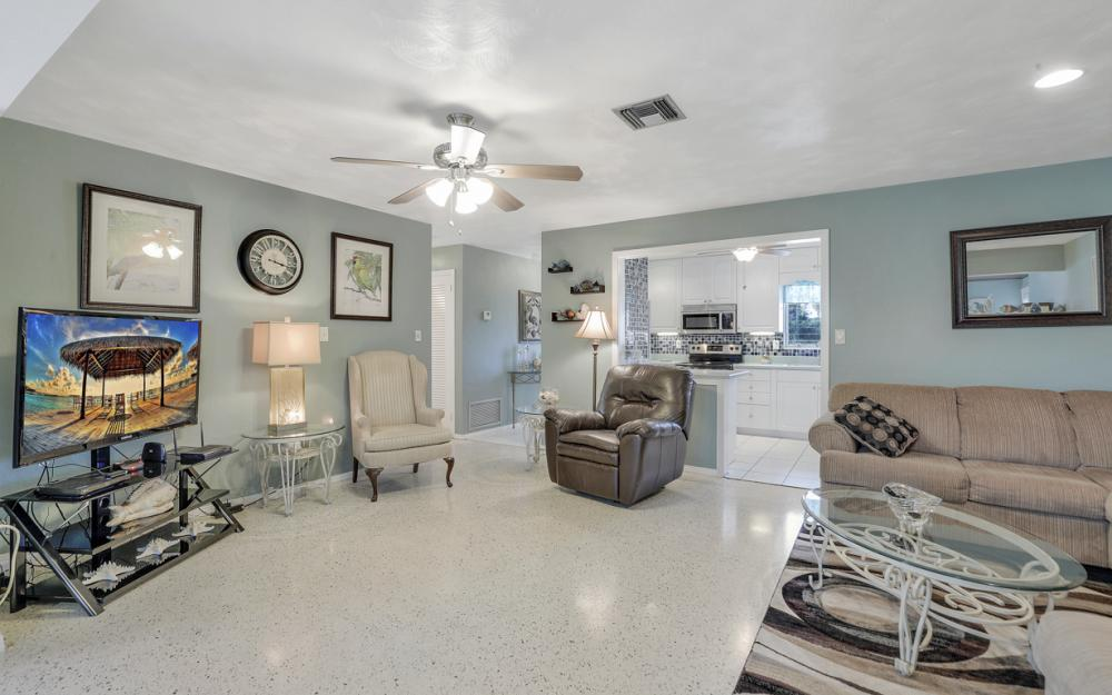11491 Heidi Lee Ln, Fort Myers - Home For Sale 1193688601