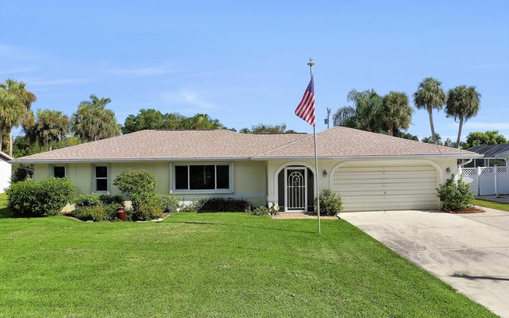 2318 Westwood Rd, North Fort Myers - Home For Sale 779060815
