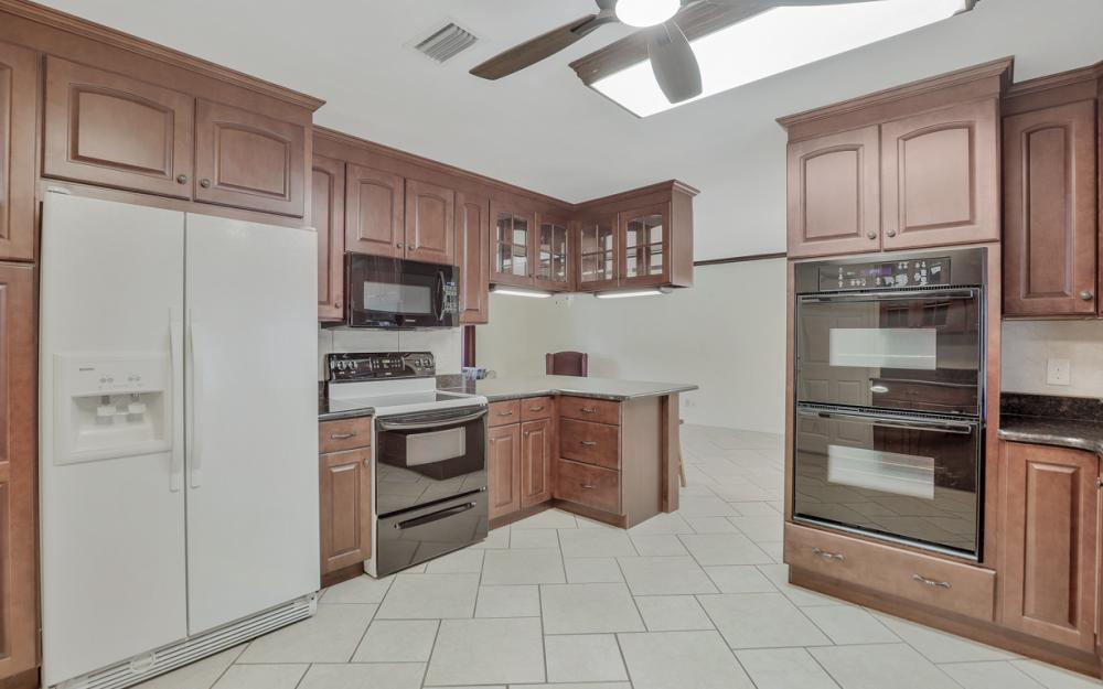 2318 Westwood Rd, North Fort Myers - Home For Sale 220969148