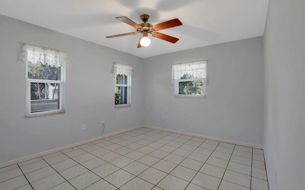 2318 Westwood Rd, North Fort Myers - Home For Sale 699365553