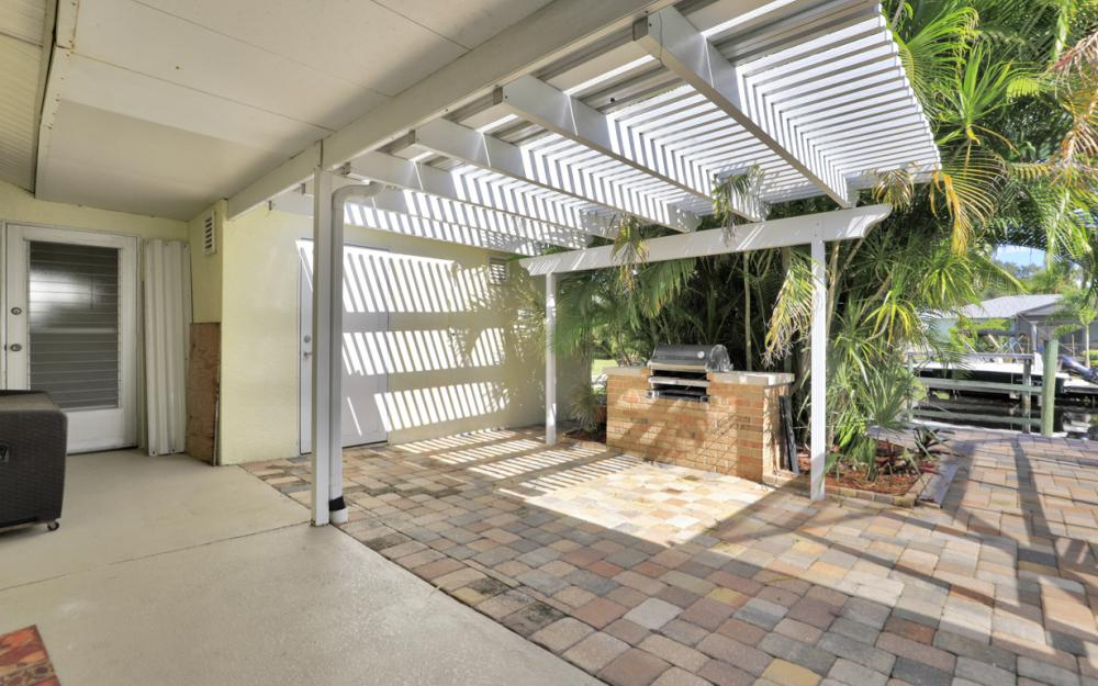 2318 Westwood Rd, North Fort Myers - Home For Sale 52304792