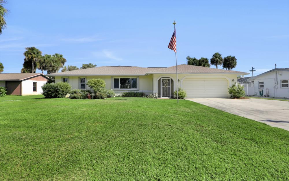 2318 Westwood Rd, North Fort Myers - Home For Sale 185816335