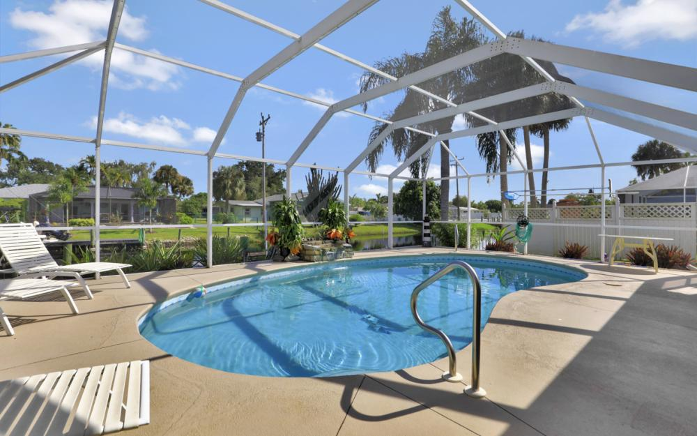 2318 Westwood Rd, North Fort Myers - Home For Sale 1943904092