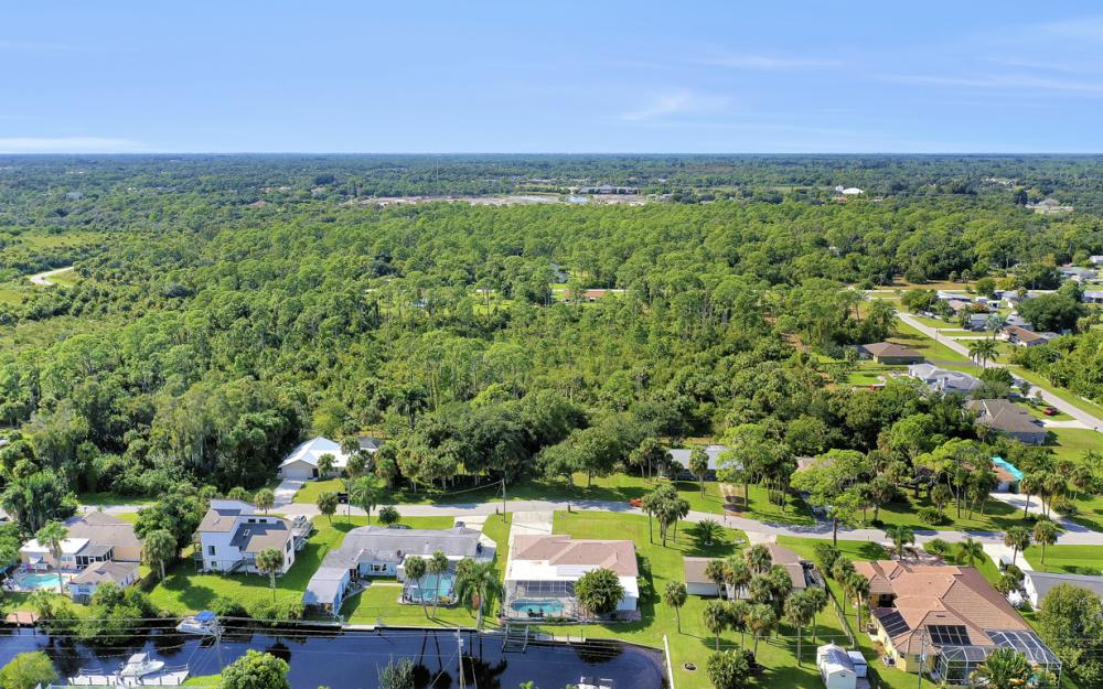 2318 Westwood Rd, North Fort Myers - Home For Sale 418218914