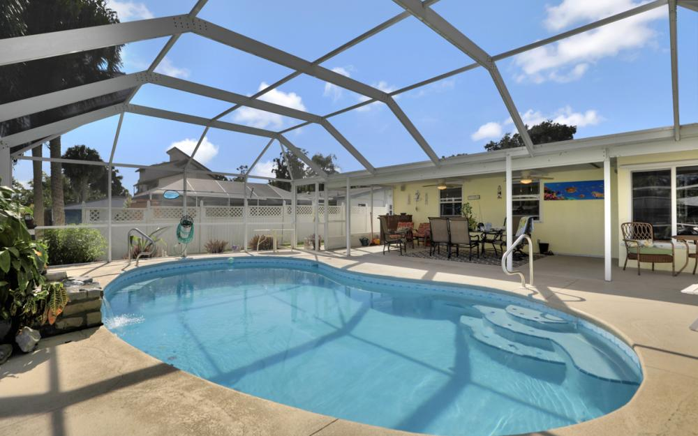 2318 Westwood Rd, North Fort Myers - Home For Sale 257332270