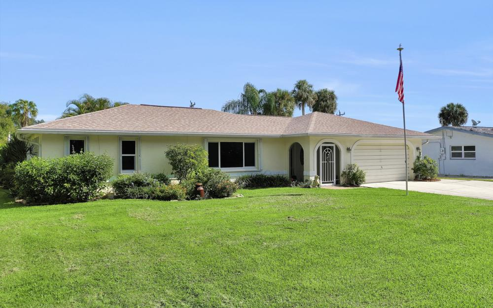 2318 Westwood Rd, North Fort Myers - Home For Sale 1108540688
