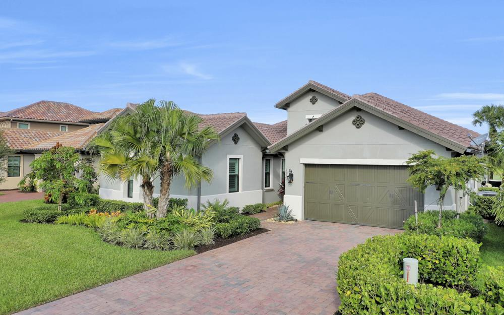 12425 Lockford Ln, Naples - Home For Sale 284358276