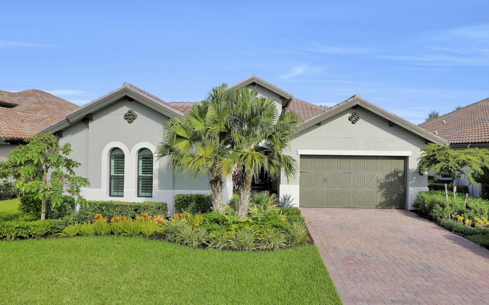 12425 Lockford Ln, Naples - Home For Sale 383909597