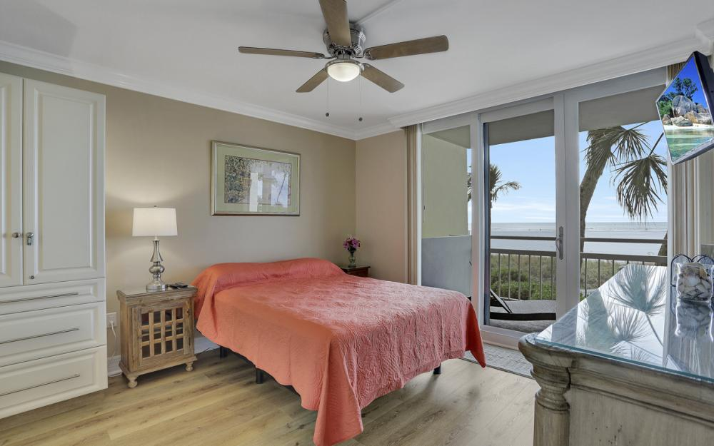 180 Seaview Ct #205, Marco Island - Vacation Rental  982786366