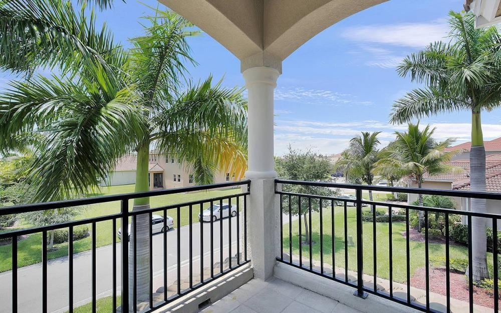 17220 Wrigley Cir, Fort Myers - House For Sale 2050962845