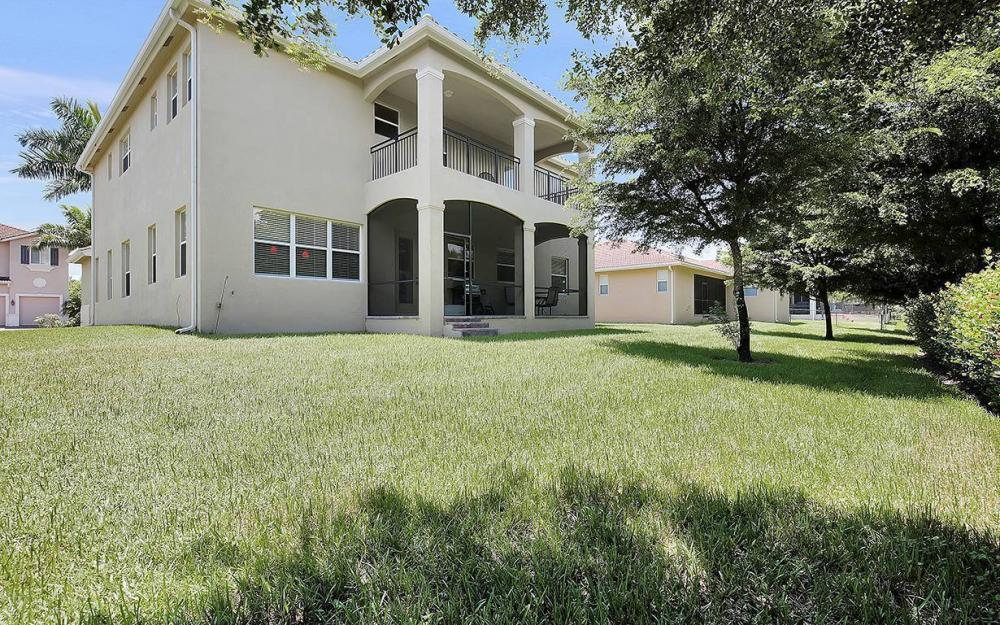 17220 Wrigley Cir, Fort Myers - House For Sale 334796573