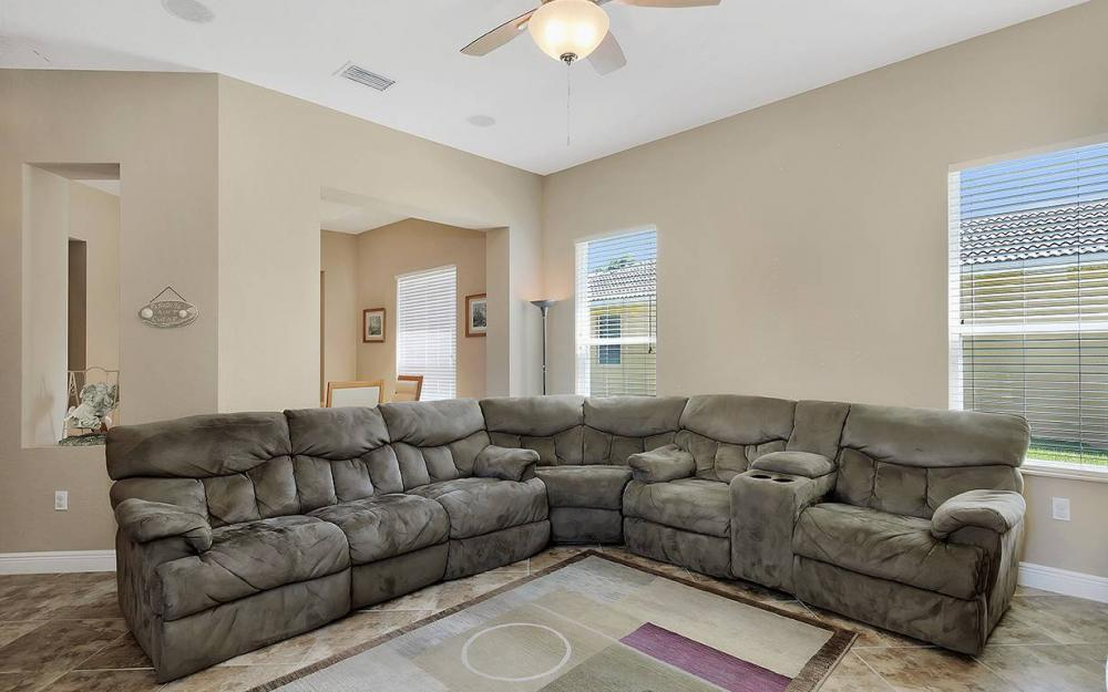 17220 Wrigley Cir, Fort Myers - House For Sale 137278931