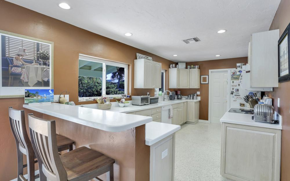 1181 Fourwinds Ave, Marco Island - Home For Sale 1906057698