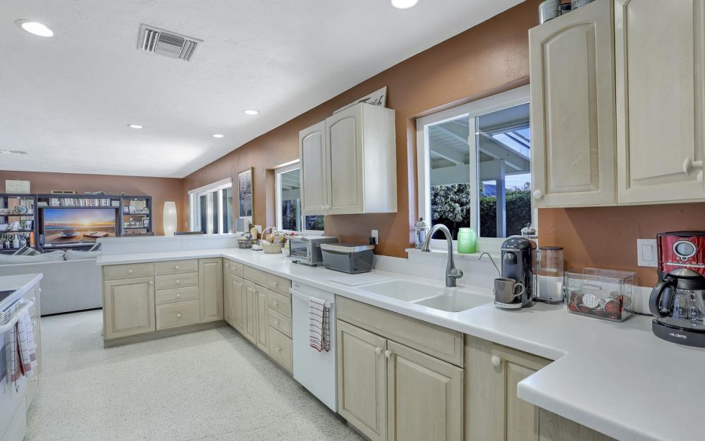 1181 Fourwinds Ave, Marco Island - Home For Sale 1179029464