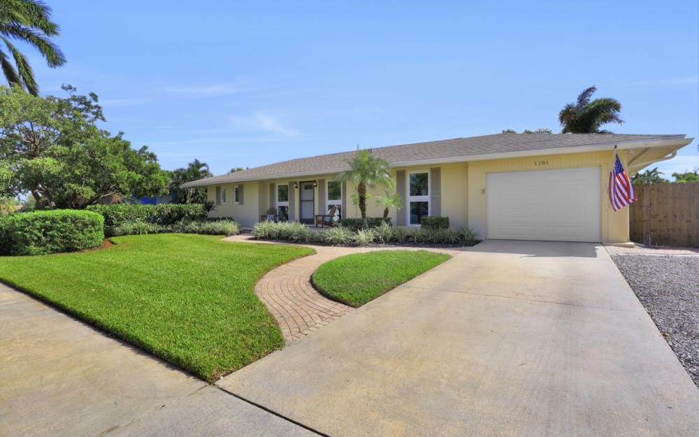 1181 Fourwinds Ave, Marco Island - Home For Sale 1221746658