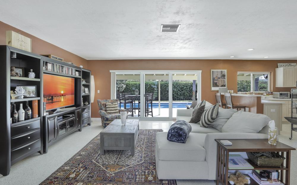 1181 Fourwinds Ave, Marco Island - Home For Sale 1008829323