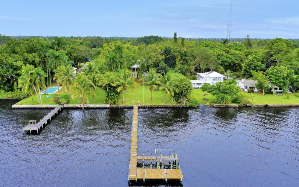 3457 E Riverside Dr, Fort Myers - Home For Sale 2107604385