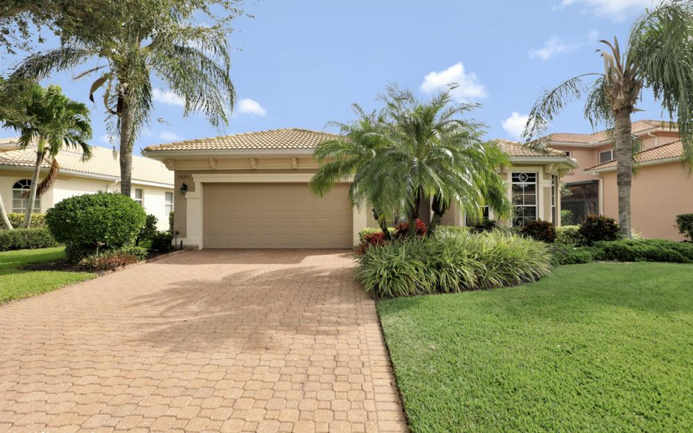 19645 Maddelena Cir Estero - Home For Sale 1175095841
