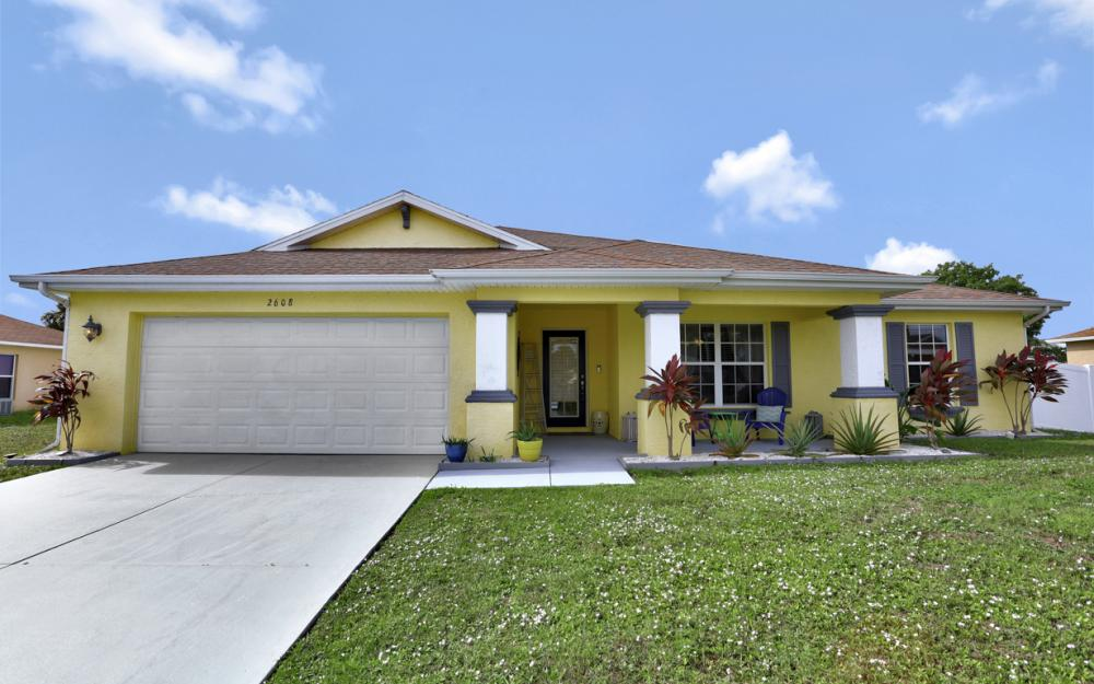 2608 NE 4th Pl, Cape Coral - Home For Sale 1010817212