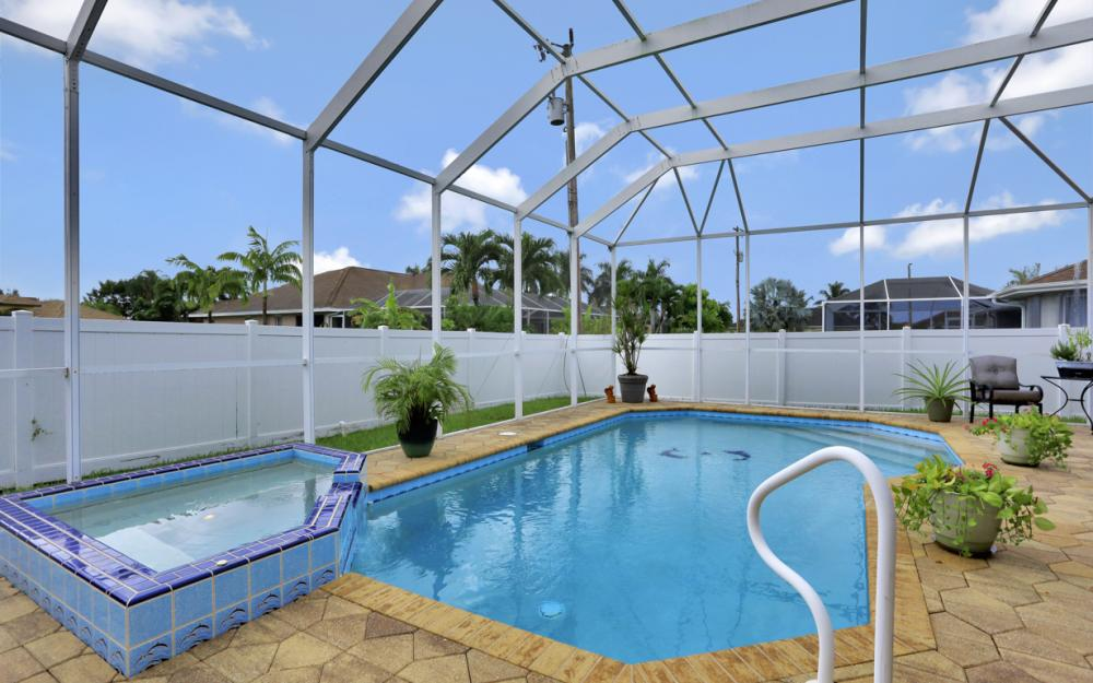 5233 SW 24th Pl, Cape Coral - Home For Sale 521566035