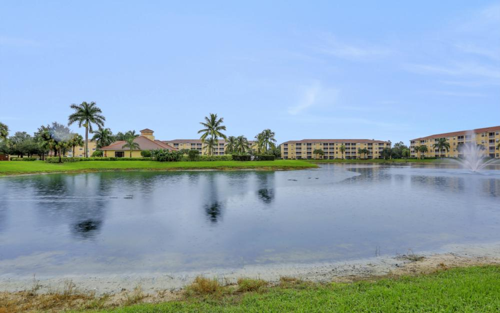 8490 Kingbird Loop #915, Fort Myers - Condo For Sale 553654860