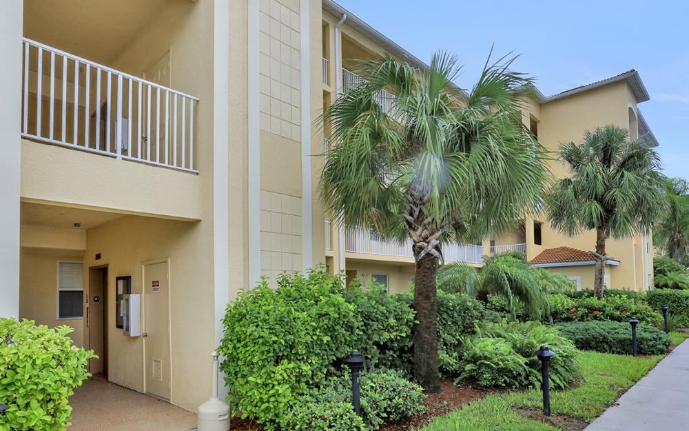8490 Kingbird Loop #915, Fort Myers - Condo For Sale 1420182886