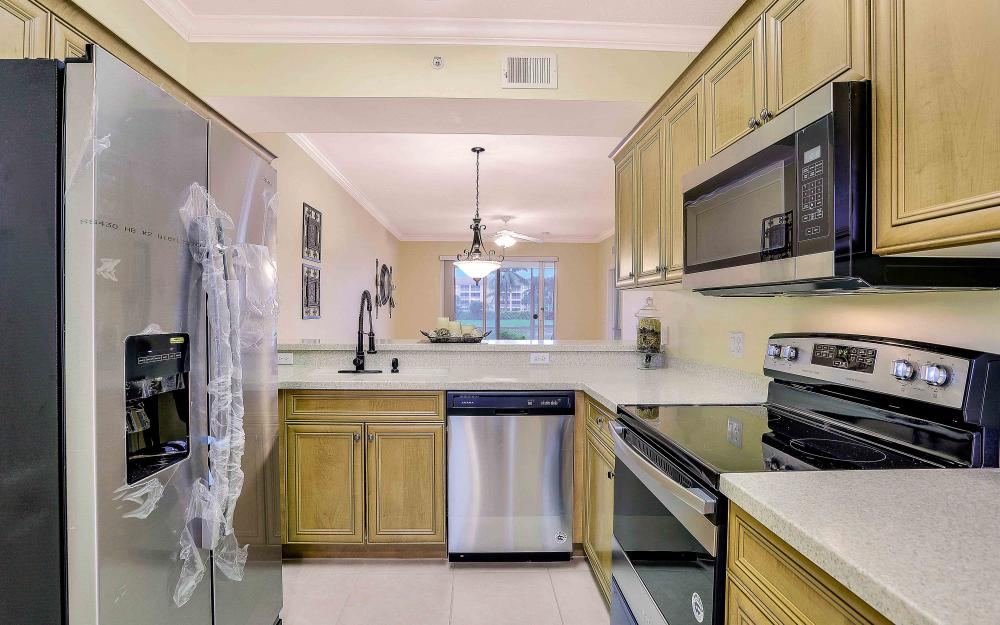 8490 Kingbird Loop #915, Fort Myers - Condo For Sale 223891520