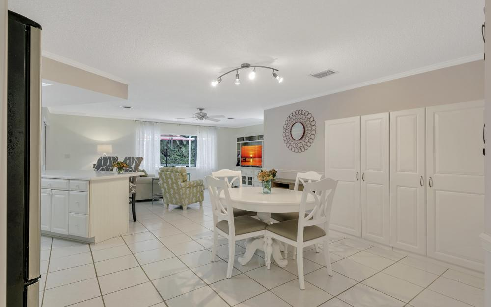 1081 N Town and River Dr, Fort Myers - Home For Sale 1829336063