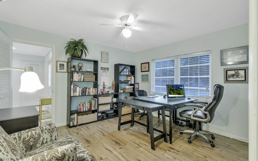 1081 N Town and River Dr, Fort Myers - Home For Sale 1429702604