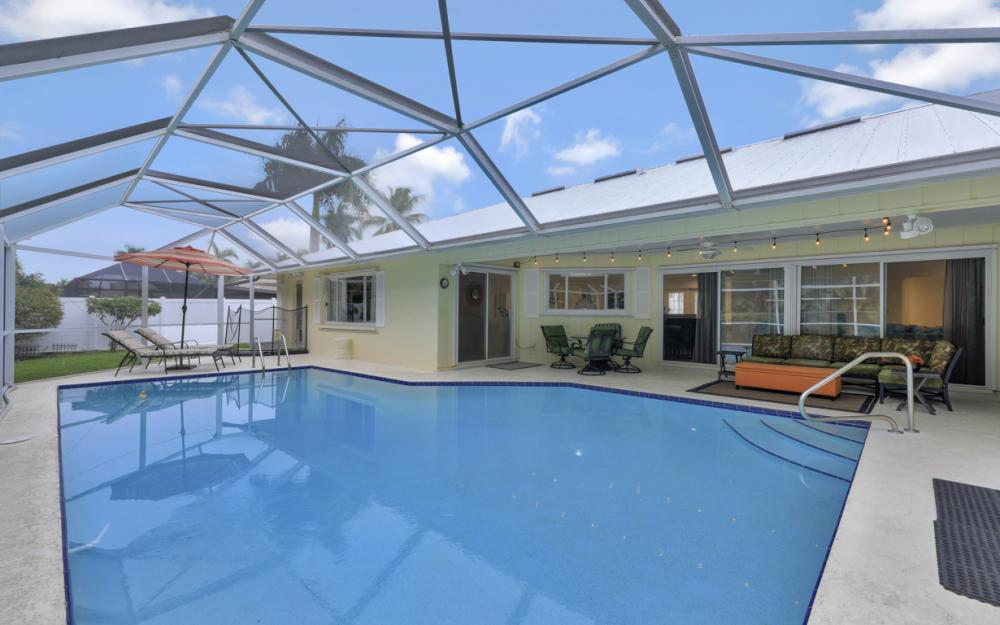 1081 N Town and River Dr, Fort Myers - Home For Sale 1292433756