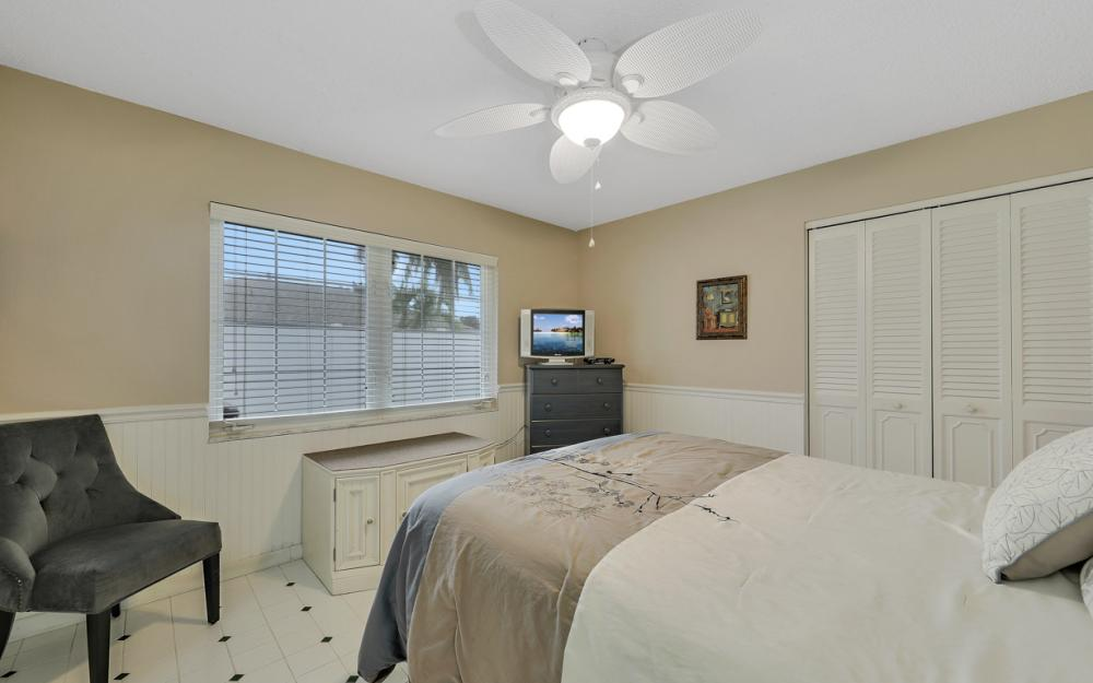 1081 N Town and River Dr, Fort Myers - Home For Sale 938079420