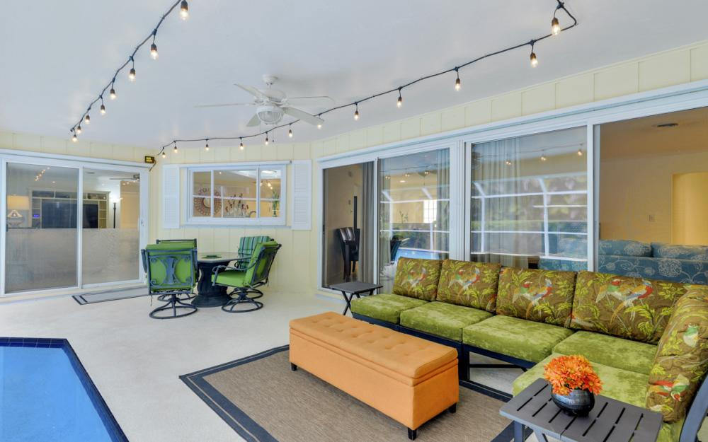 1081 N Town and River Dr, Fort Myers - Home For Sale 426960129