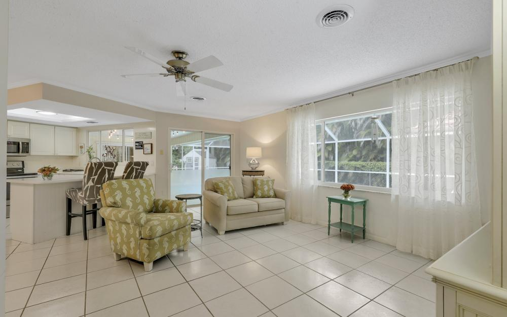1081 N Town and River Dr, Fort Myers - Home For Sale 987321650