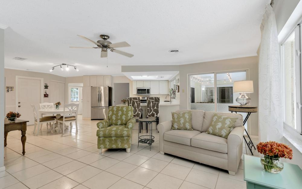 1081 N Town and River Dr, Fort Myers - Home For Sale 1874302455