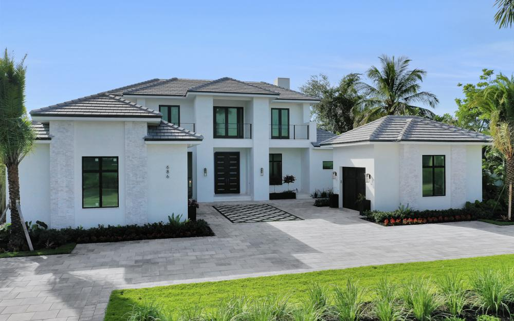 686 S Golf Dr, Naples - Home For Sale 2051869596